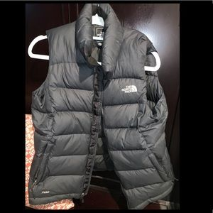 North face like new vest